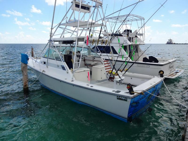 Fishing boats at Puerto Morelos